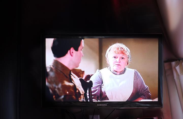 Well, 'ello Ms. Pattmore! Enjoying a three hour marathon of Dowton Abbey!