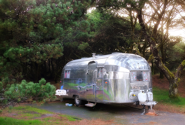 Directly in front of us this neat old 1954 Airstream being remodeled my the owners.