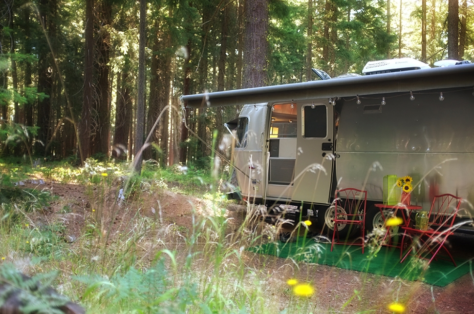 All the benefits of a small federal campground…with full service! Win, win!